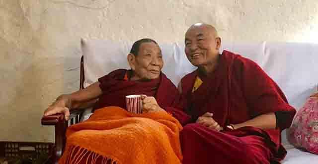 Tashi Delek Wangchen es miembro del parlamento Tibetano exiliado en Barcelona