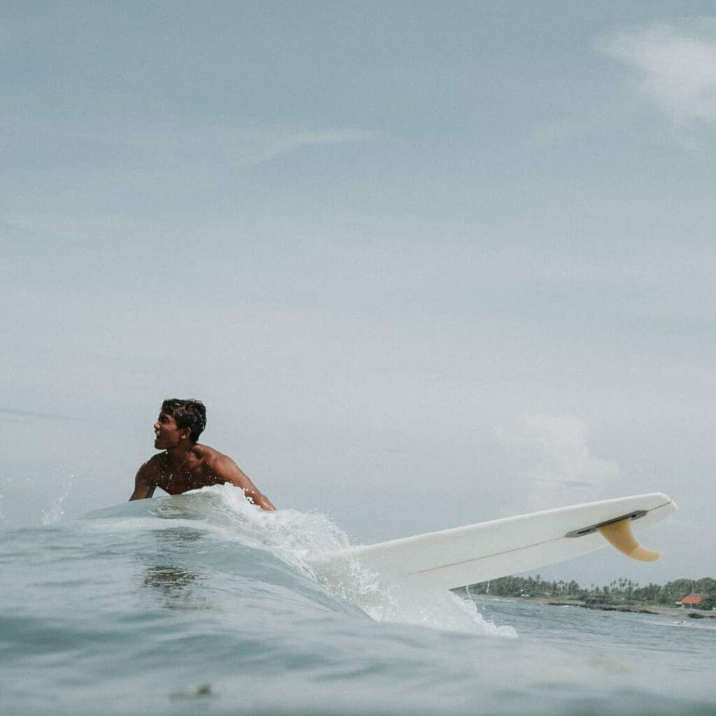 Vivir un estilo de vida surfero