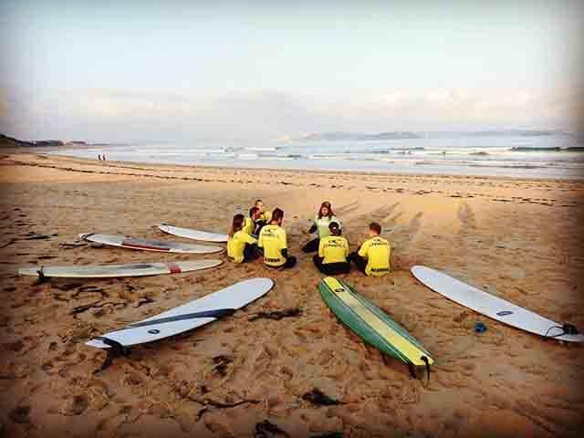 Entrenamiento funcional y clases de surf en KOA