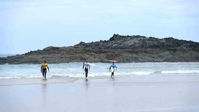 Lesiones en chicas surfistas