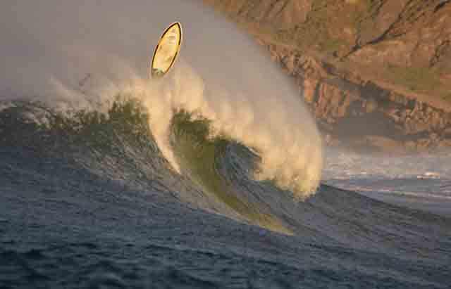Escuela de surf Los Locos primera en Suances