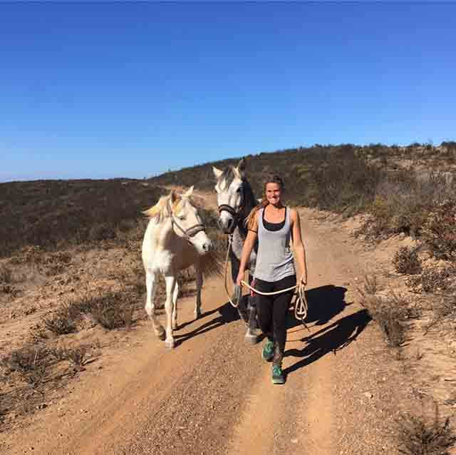 Holistic Being with Horses de Kathi Heusel