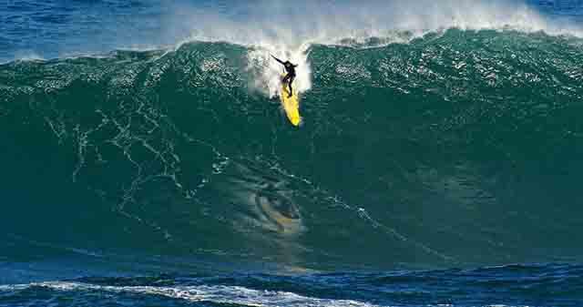 La ola perfecta en Indonesia