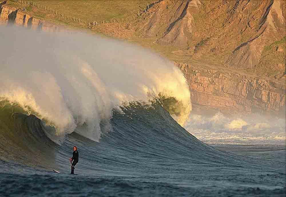 TINO AJA, 48 AÑOS, TÉCNICO DE SURF, CAMPEÓN DE EUROPA DE SUP SURFING