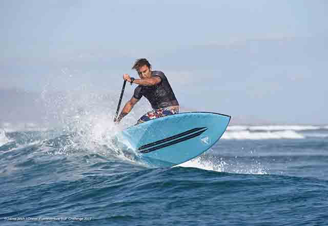 TINO AJA gerente de la Escuela de Surf Los Locos