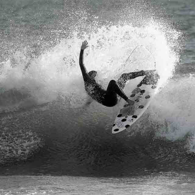 El Ángel Punk del surf se llama Ainara