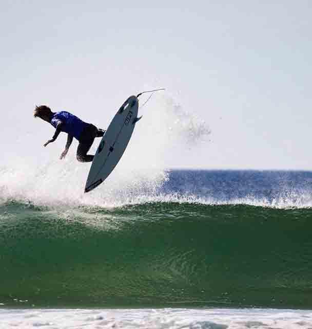 VICENTE ROMERO surfea entre Florianopolis, Barcelona y Galicia