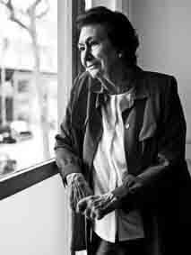 Ana Maria Lajusticia Química  conferenciante, escritora