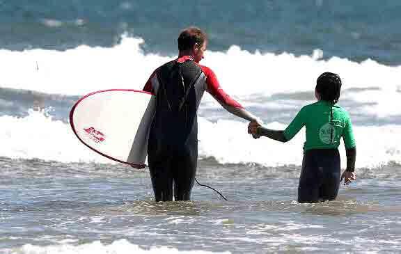 Surf solidario creado por tres amigos
