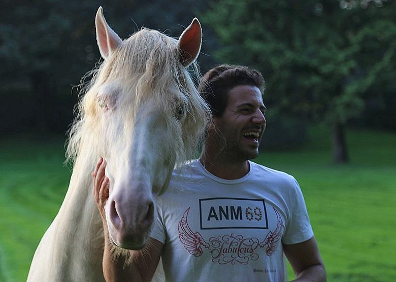 Santi Serra entrenador de caballos
